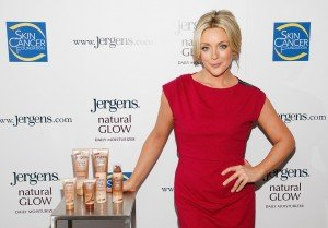 """Even though we all know the facts, it's hard to resist the lure of a tan,"" says Jane Krakowski. ""With this video, I'm hoping to pass on that reminder to women and steer them toward a safe option."""