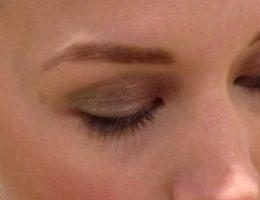 shimmer-eyeshadow
